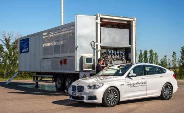 2019 BMW X7 fuel cell SUV test