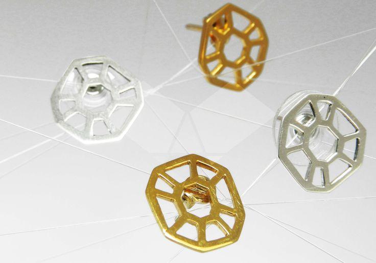 Aretes octaedros en plata y baño en oro