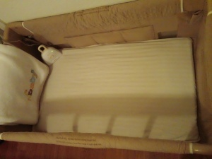 DIY Bassinet Sheets -- Made from pillow cases - depending on brands, relatively inexpensive