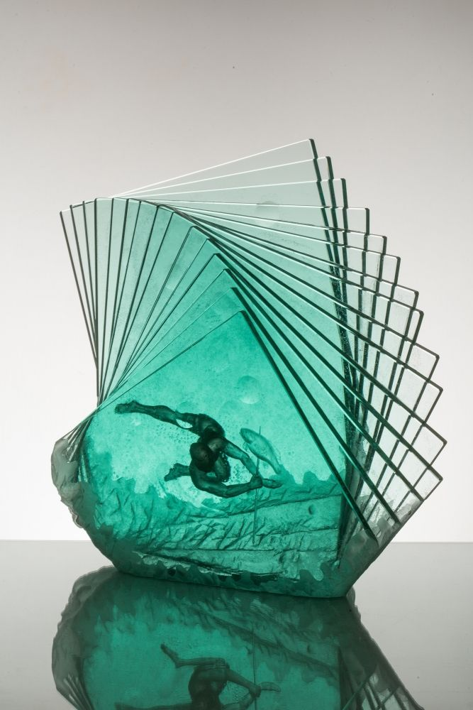 The Spear in hand-carved laminated glass by Peter Nilsson
