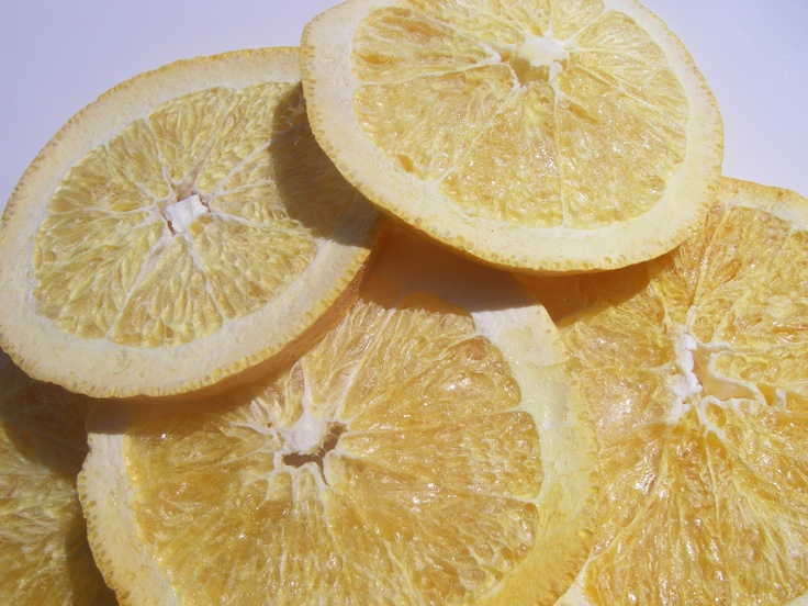 Freeze dried sliced oranges