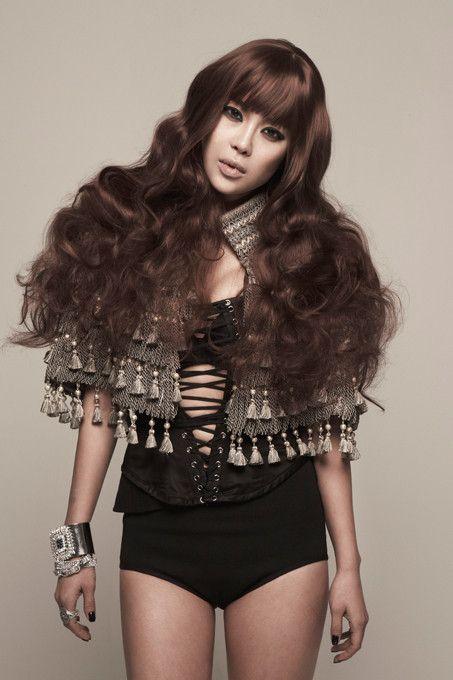Baek Ji Young Brown Long Bangs Wavy Curly