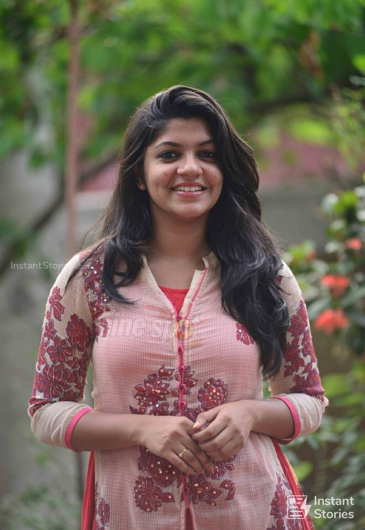 Aparna Balamurali Latest Hot HD Photos/Wallpapers (1080p