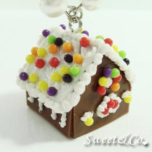 Sweet Christmas Ginger Bread House Pearl Silver Necklace