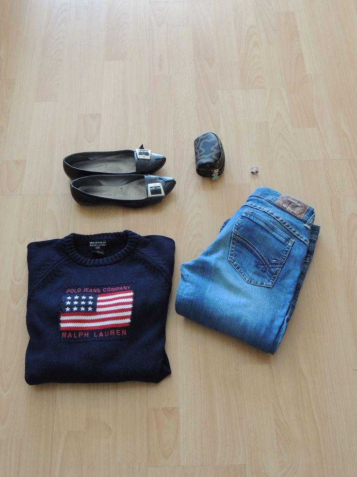 Cómo combinar un jersey azul marino con bandera NY. www.cuquetticomplementos.