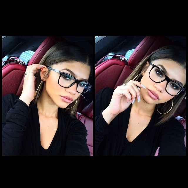 Zendaya | When it's down to two selfies and you can't choose