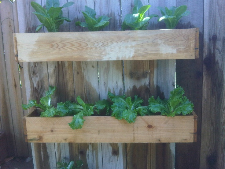 Easy to use fence planters