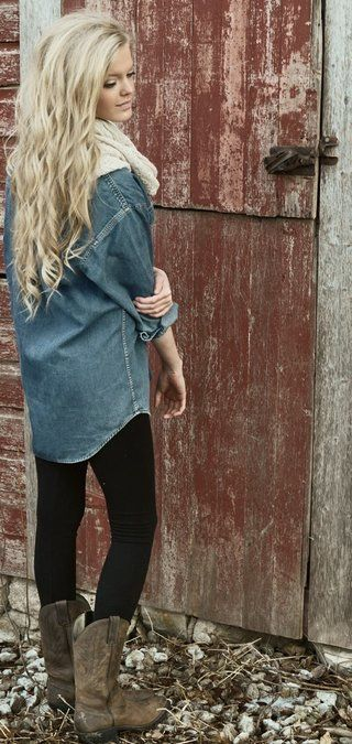Comfy cuteCowboy Boots, Cowboyboots, Denim Shirts, Fall Outfits, Fall Looks, Black Legs, Fall Boots, Cute Outfit, Cowgirls Boots