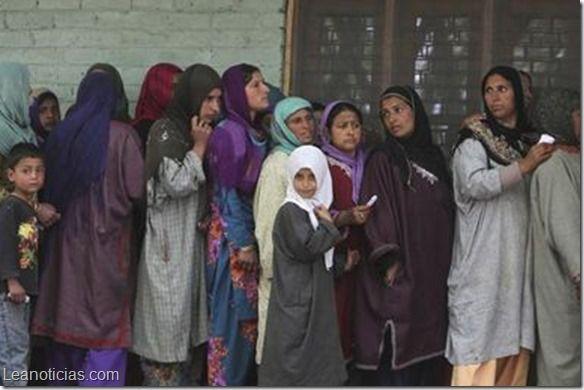 Iniciaron las elecciones en la India luego de 63 años - http://www.leanoticias.com/2014/05/07/iniciaron-las-elecciones-en-la-india-luego-de-63-anos/