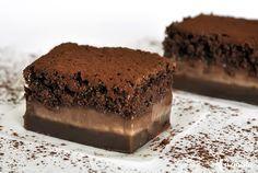 Μαγικό κέικ σοκολάτας με τρεις στρώσεις / Magic chocolate cake