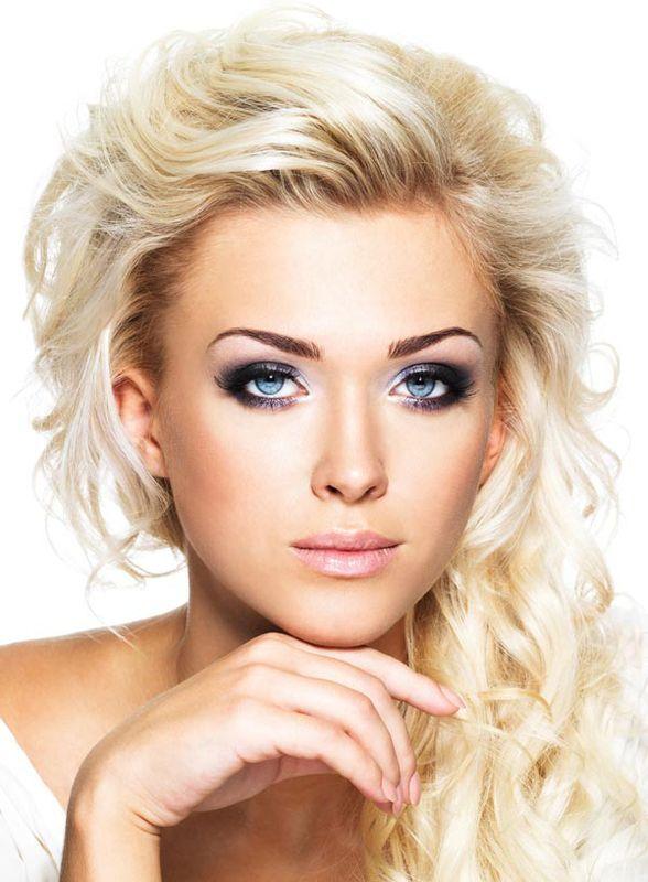 die besten 25 blonde haare blaue augen ideen auf pinterest hochzeit make up blonde hochzeit. Black Bedroom Furniture Sets. Home Design Ideas