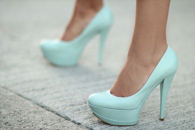love this color: Shoes, Fashion, Style, Wedding, Colors, Tiffany Blue, Tiffanyblue, Pump, Blue Heels