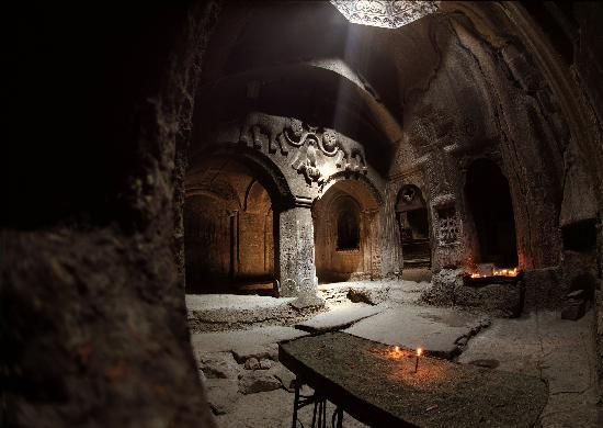Cathédrale d'Etchmiadzine, Ejmiatsin, Armenia. 4th century Armenian Church. I must go here with my Armenian boyfriend, Deran!