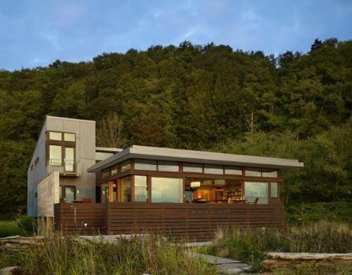 Modern wooden house by Bjarko Serra 1