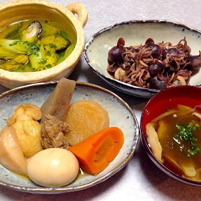 おでん(大根・人参・こんにゃく・牛スジ・餅入り巾着・はんぺん・卵)、 ミミイカの煮付け、 牡蠣のアヒージョ、 椎茸のお吸い物 です。 - 26件のもぐもぐ - 寒いからおでん by orieueki