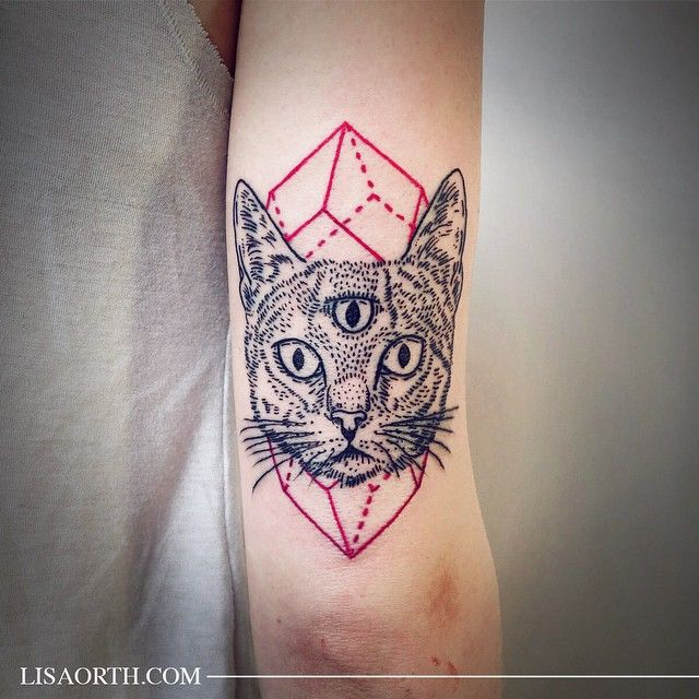 Love it when friends come to visit and I get to tattoo them! Cat with third eye for Sofia. Artwork and photo © 2015 Lisa Orth.