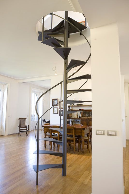 Oltre 25 fantastiche idee su scala da giardino su for Schemi di scala a chiocciola