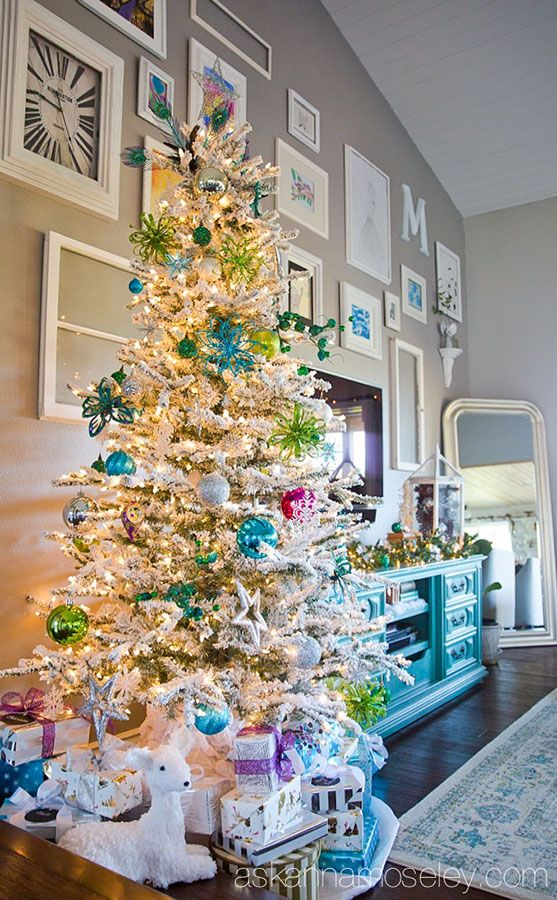 Christmas Homes 705 best holiday :: christmas images on pinterest | anna