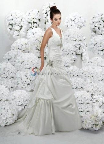 Robe empire col en v décorée de perles et fleur d'applique traîne balayée en satin