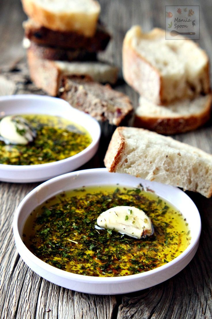 Restaurant-style sauce with Italian herbs and balsamic vinegar perfect for dipping your favorite crusty bread. Mix it up with your favorite herbs and add a spicy kick to create your own flavor blend. Italian Bread Dipping Oil (Sauce) | http://manilaspoon.com