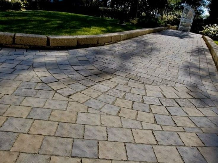 17 best images about pavers for driveways on pinterest cobblestone driveway grand entrance. Black Bedroom Furniture Sets. Home Design Ideas