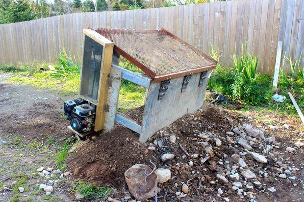 Homemade Soil Screener Sifter Garden Projects Top Soil