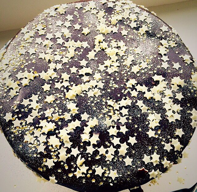 Chocolate Sparkle Cake www.feastingisfun.com A gorgeously moist chocolate sponge, draped in a rich chocolate ganache, with a hint of Bailey's Chocolate Liqueur and sprinkle with stars and edible sparkles. Perfect for Bonfire night or any special occasion.
