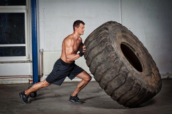 Rueda o llanta: se refiere a una rueda de tractor o camión que suele usarse para jalar, saltar o empujar, como parte de un entrenamiento diario.