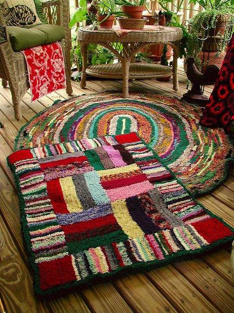 idea for locker hooked rug pattern  --Shirret rugs