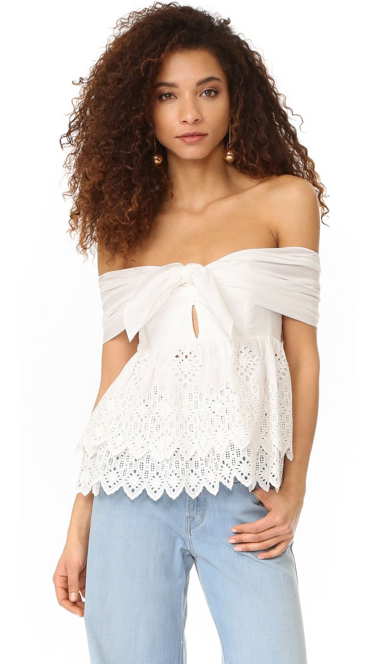¡Cómpralo ya!. Sea Strapless Belle Top - White. A strapless Sea top, styled with a boned sweetheart neckline. Gathered panels tie over the front, and the back is detailed with smocked elastic for a close fit. Tiered ruffle hem with zigzag edge. Hidden back zip. Fabric: Eyelet. 100% cotton. Dry clean. Imported, China. Measurements Length: 15.75in / 40cm, from center back Measurements from size 4. Available sizes: 8 , tophombrosdescubiertos, sinhombros, offshoulders, offtheshoulder…