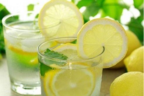 Descubra como acabar com o suor excessivo nas axilas | Compartilhamos com você 2 receitas caseiras para combater a hiperidrose axilar.