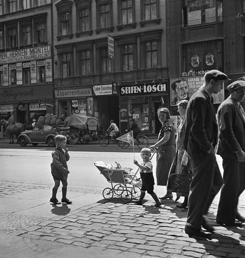 Berlin 1930s, Photo: Roman Vishniac