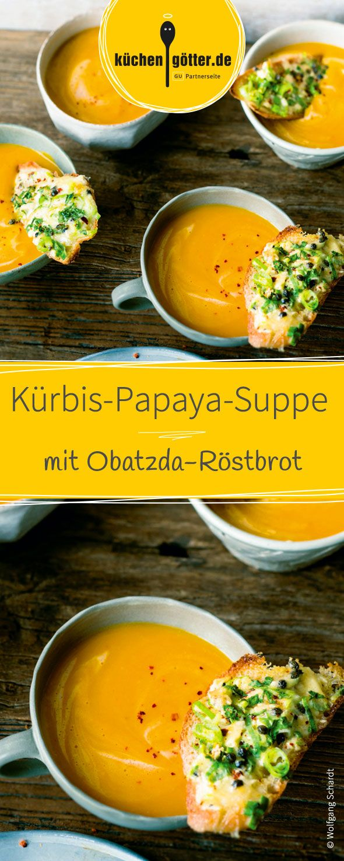 Perfekt für die Kürbis-Saison. Das fruchtige Suppenrezept ist schnell zubereitet und schmeckt einfach köstlich! Serviert mit knusprigem Obatzda-Röstbrot ist es die ideale Vorspeise für die nächste Oktoberfest-Party.