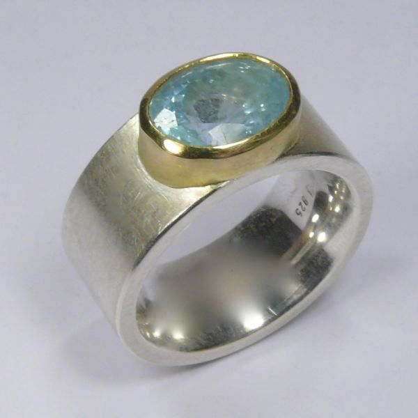 Ring, Silber 925/-, Gold 750/-, Aquamarin, oval facettiert