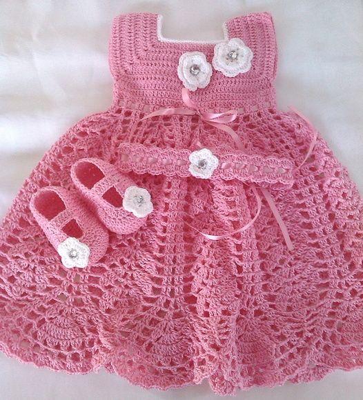 Conjunto de croche feito com linha 100% algodao Tamanho 0 a 3 R$ 80,00