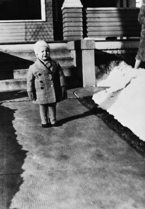A two-year-old Marlon Brando, 1926