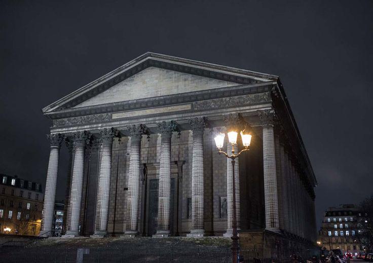 Paris at night. L'eglise de la Madeleine by Ángel Robles. Travel photography.