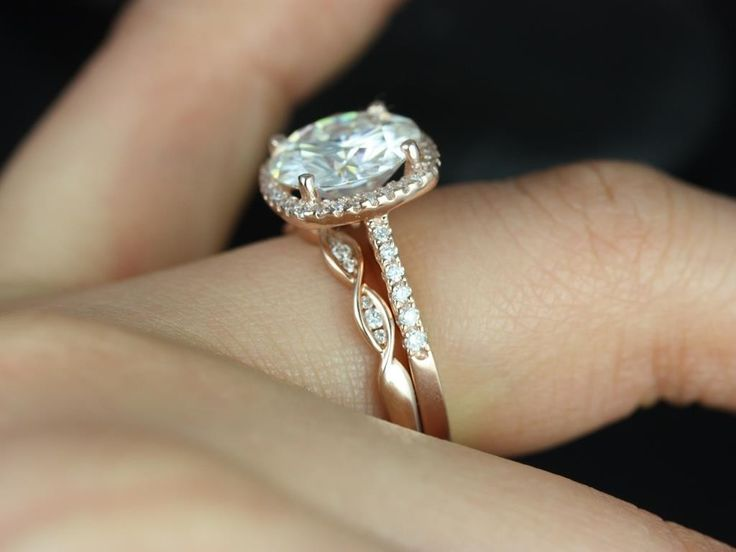 Barra Queen & Ember Rose Gold Round FB Moissanite and Diamond Cushion Halo Wedding Set