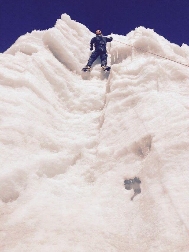 Treino de escalada no gelo