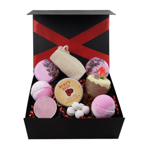 "This ""indulgent bath"" gift box hamper comes filled with some lovely items for special indulgent bath time, included are luxurious giant bath bombs, bath soufflé, bath pills, bun gift towel, gorgeous Burt's Bee bathing product and other bathing essentials. Lovely special treat gift: Gift Boxes, Box Hamper, Box Galore, Bun Gift, Bee Bathing, Bathing Product"