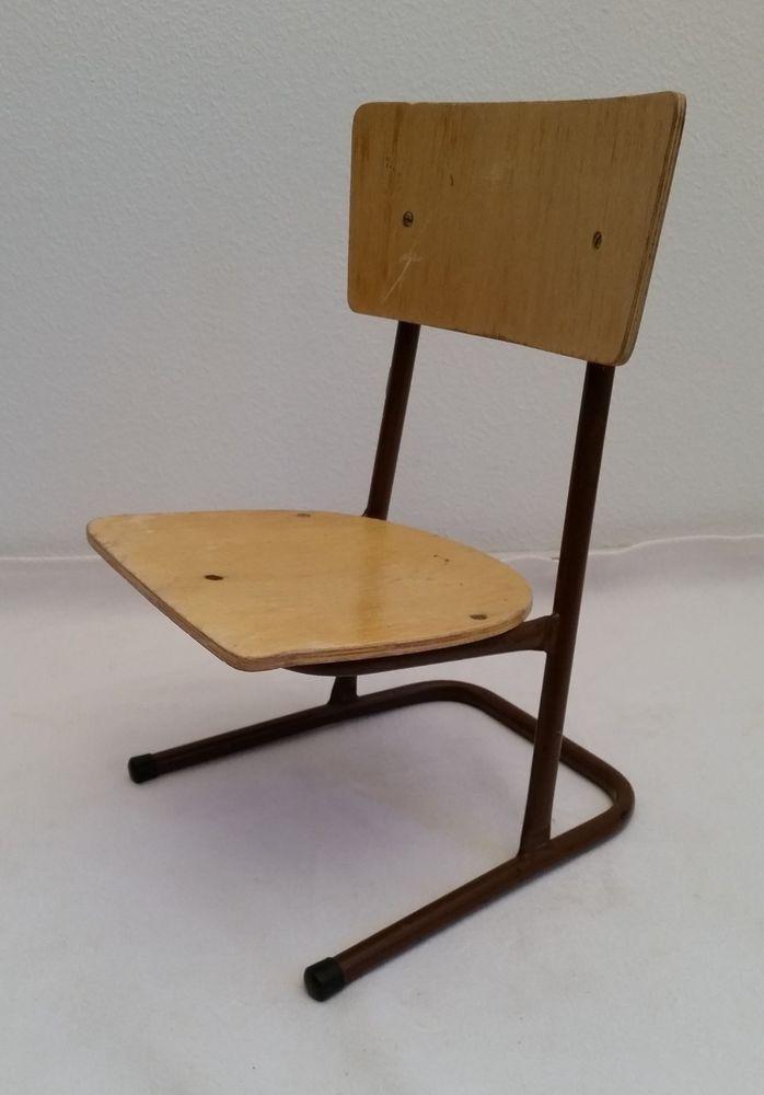 Verkaufe Einen Alten Sehr Kleinen Kinderstuhl Fur Die Schule Bzw Wohl Eher Fur Den Kindergarten Wohl Ddr Wahrscheinlich Aus Den 1960e Stuhle Shabby Design