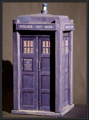 Doctor Who - TARDIS Ver.8 Free Papercraft Download - http://www.papercraftsquare.com/doctor-tardis-ver-8-free-papercraft-download.html