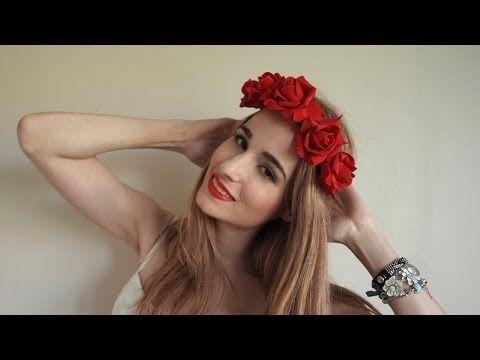 Diadema con flores para el pelo - http://www.entrepeinados.com/diadema-con-flores-para-el-pelo.html