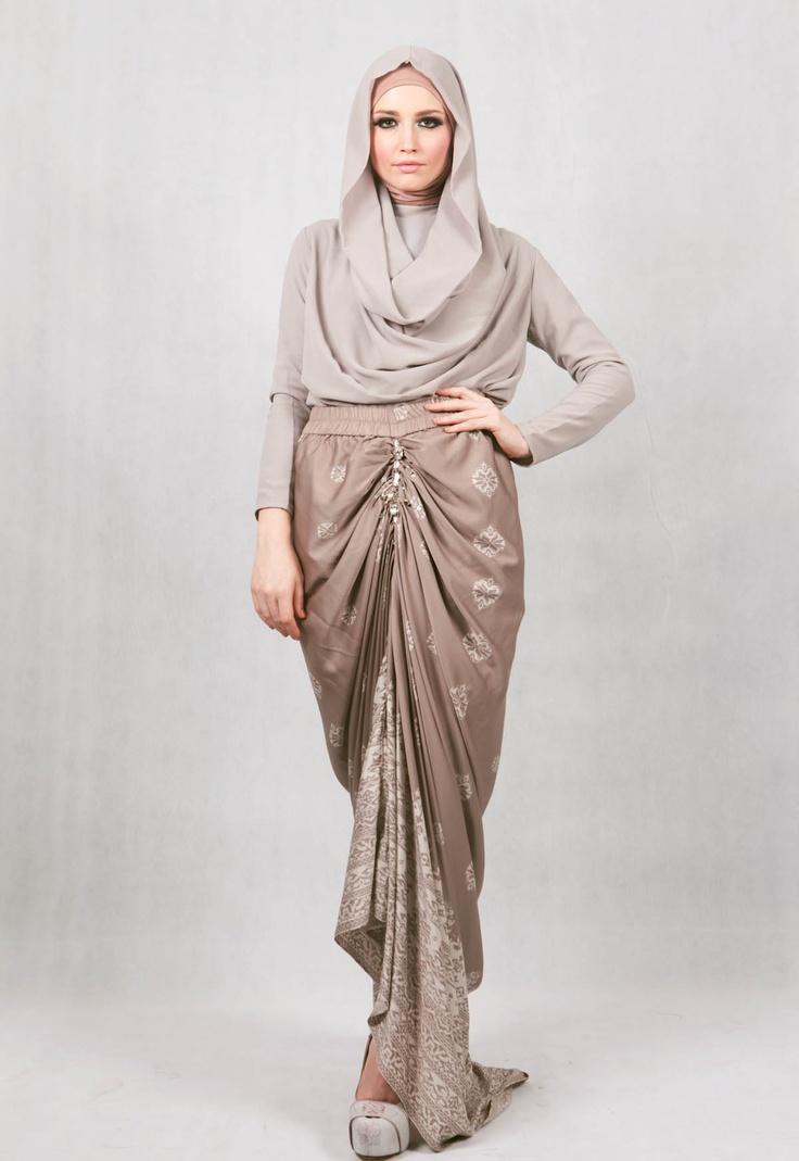 Ria MIranda; Indonesian designer - Barantai Skirt: Another Minang Heritage collection, as seen on Jakarta Fashion Week '13