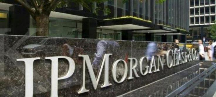 Kemenkeu Anggap Riset JP Morgan Tidak Kredibel  KONFRONTASI- Kementerian Keuangan (Kemenkeu) resmi memutus kerja sama dengan JP Morgan Chase Bank NA. Pihak kemenkeu menilai riset yang dibuat oleh lembaga jasa keuangan asal Amerika Serikat itu dinilai tidak akurat dan kredibel.  Direktur Jenderal Pengelolaan Pembiayaan dan Risiko Robert Pakpahan mengatakan JP Morgan dalam risetnya menyeret turun level investasi Indonesia dari overweight ke underweight. Hasil riset lembaga ini dinilai…