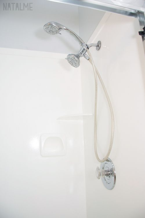 Refinish A Tub Or Shower With Rust Oleum Tub Amp Tile