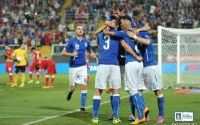 Era ora... l'Azzurro è tornato di moda #azzurri #calcio #italia #pallavolo