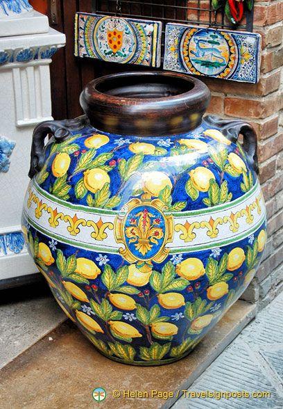 A beautiful vase from San Gimignano, Italy
