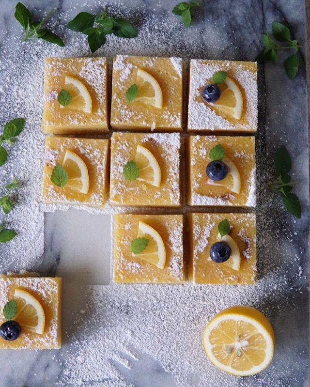 ・ good morning ♪ ・ 昨日焼いた #レモンバー ・ ラベンダーを頂いたお礼に ラベンダースティックと一緒に おすそ分け… ・ #kurashiru #lin_stagrammer #delistagrammer #foodstagram #foodstyling #foodpic #foodpics #foodphotography #foodie #foodlover #tv_lifestyle #tv_stilllife #tv_living #igersjp #w7_foods #onthetable #lemon #lemonsquare #lemonbars  #朝時間 #クッキングラム #涼やかスイーツ #レモンスクエア #エルアターブル #手作りケーキ #おうちカフェ #おうちデザート