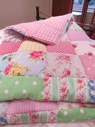 Make A Simple Patchwork Quilt - Simple straightforward step-by-step to make a quilt made up of squares